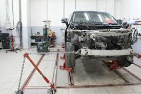 Фото процесса восстановления геометрии кузова автомоббиля
