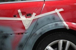 Фото процесса локальной покраски авто