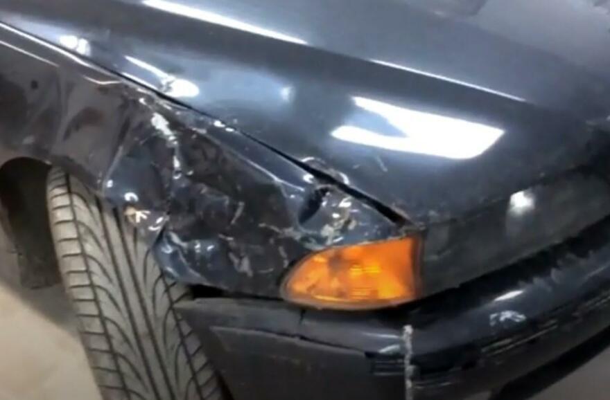 Фото повреждений переднего крыла BMW